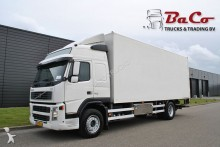 camión Volvo FM 300 + BOX - EURO 5 - ONLY 845 TKM!!