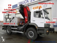camión Mercedes 1828 4x4Kran25m=300Kg*Arbeitskorb+F