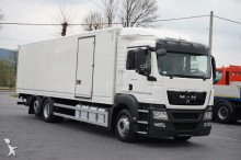 camion fourgon MAN