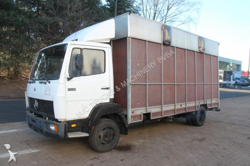 camion van chevaux 58 annonces de camion van chevaux d 39 occasion en vente. Black Bedroom Furniture Sets. Home Design Ideas