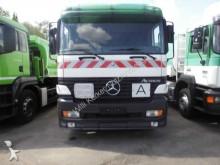 camion cisterna Mercedes