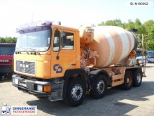 camión MAN 32.322 8x4 mixer 8 m3