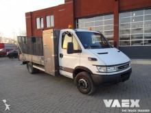 camión Iveco Daily 65C17 Oprijwagen
