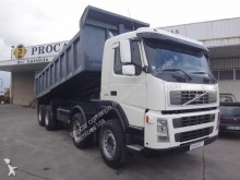 camion benne Enrochement Volvo