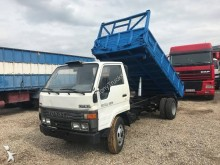 camion ribaltabile trilaterale Toyota