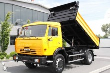camión volquete trilateral Kamaz
