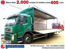 camion piattaforma trasporto bibite Volvo