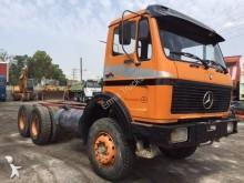 ciężarówka podwozie Mercedes