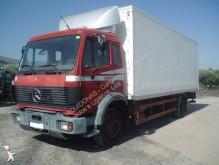 camião Mercedes
