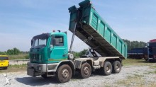 camion benne Astra