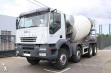 camion Iveco Trakker 380 MIXER 9M³