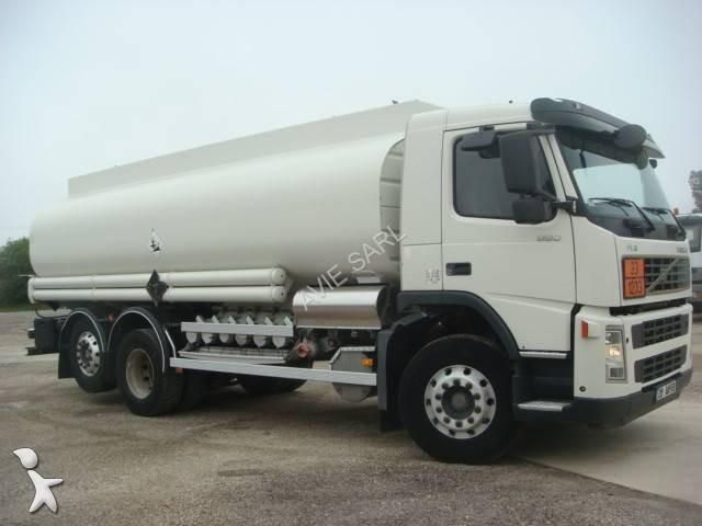camion volvo citerne hydrocarbures fm12 380 6x2 euro 3 occasion n 2073835. Black Bedroom Furniture Sets. Home Design Ideas
