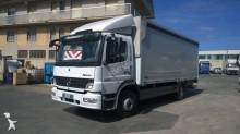 camión Mercedes Atego 1229
