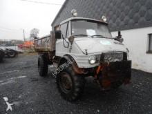 camión volquete Unimog