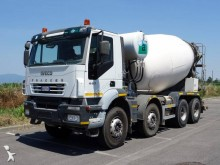 camion Iveco Trakker AD 410 T 45