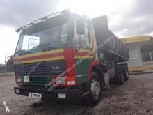 camion tri-benne Volvo
