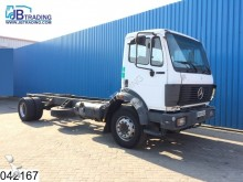 camión Mercedes 1824 Rear axle defect, Manual, Steel suspension,