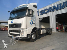 camion portacontainers Volvo
