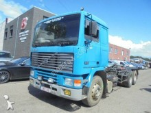 camion porte containers Volvo