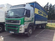 camión lona corredera (tautliner) caja abierta entoldada Volvo