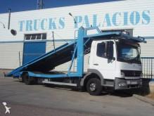 camión portacoches Mercedes