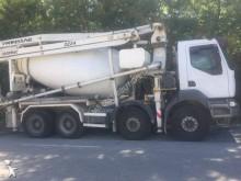 camion béton malaxeur + pompe Renault