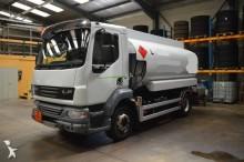 camión cisterna hidrocarburos DAF