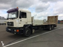 camion trasporto macchinari MAN