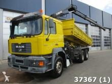 camión MAN 33.364 6x4 Manual Steel Euro 2 Hiab 10 ton/meter