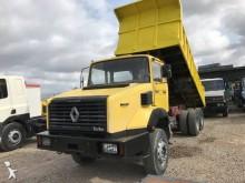 camión volquete escollera Renault
