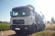 camión MAN CAMION BOMBA HORMIGONERA MAN 33364 6X4 1999 8M3 PUTZMEISTER 24 M