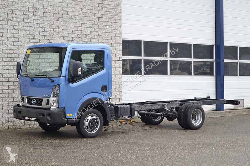 new nissan cabstar chassis truck 4x2 diesel n 2122855. Black Bedroom Furniture Sets. Home Design Ideas