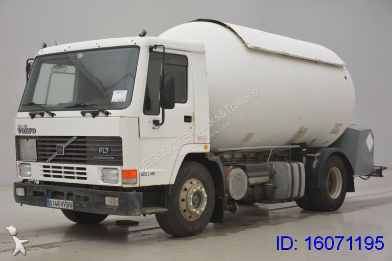 camion volvo citerne produits chimiques fl7 4x2 gazoil occasion n 2126547. Black Bedroom Furniture Sets. Home Design Ideas