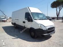 Camión furgón Iveco Daily 35S15 15 M3