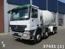 camión Mercedes Actros 3236