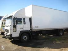 Camión furgón Volvo FL6-14 220