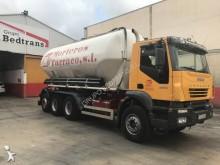 camión Iveco Trakker 380