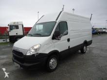 Camión furgón Iveco Daily 35S13 12 M3