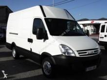 Camión furgón Iveco Daily 35S14 12 M3