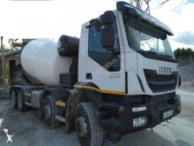 Camión hormigón cuba Mezclador Iveco Trakker
