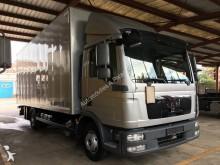 camion furgone MAN