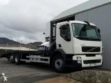 Camión portamáquinas Volvo FE 320