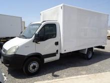 Camión furgón Iveco Daily 65C18