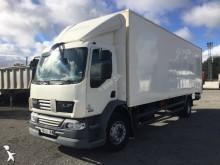 Camión furgón DAF LF55 300