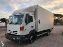 Camión furgón caja polyfond Nissan Atleon TK 95.160