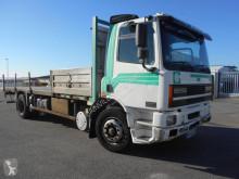 camión DAF CF65 210