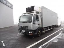 MAN LE 12.225 truck