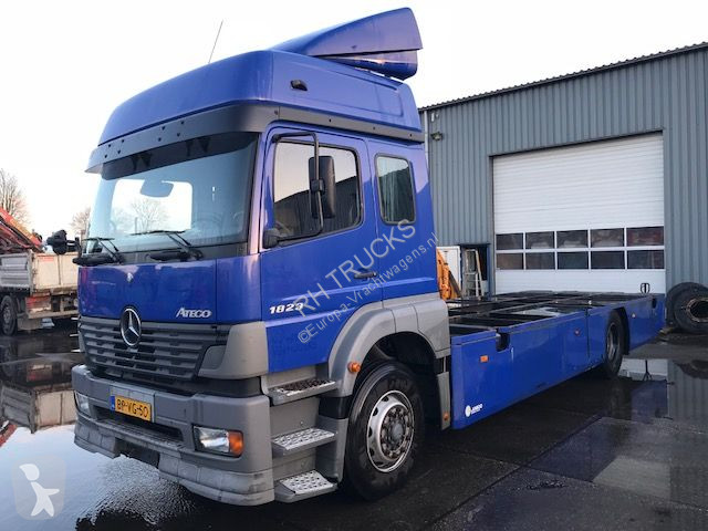 used mercedes atego container truck 1823 4x2 diesel euro 3 n 2373184. Black Bedroom Furniture Sets. Home Design Ideas