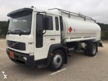 camión Volvo FL6 14.180