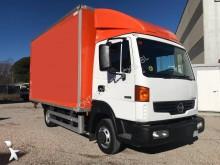 Camión furgón caja polyfond Nissan Atleon 56.15